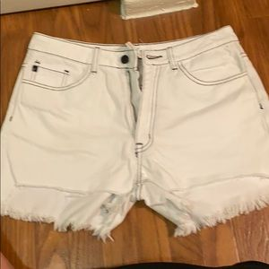 KanCan White shorts with blank stitching Size L